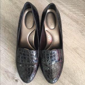 Shoes - Super comfortable black shoes